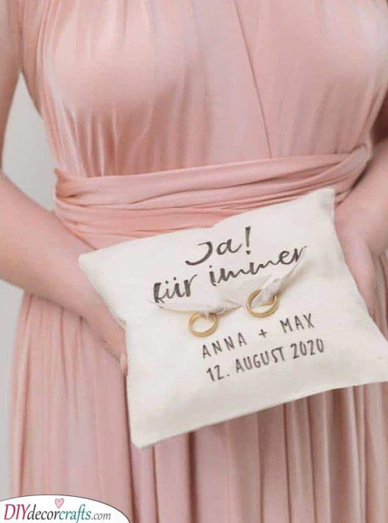 Say Yes - Decorate the Cushion Yourself