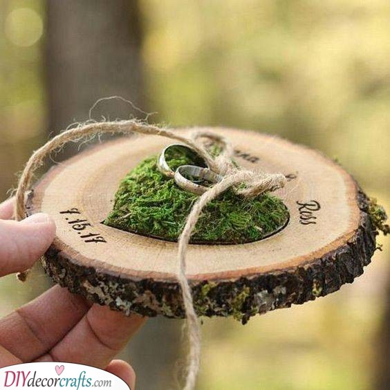 Rustic Wooden Ring Holder - Gorgeous and Earthy