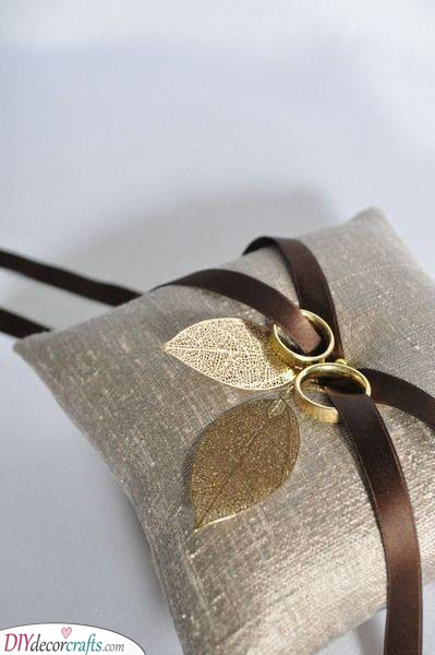 Gold Leaves - Beautiful Wedding Ring Pillow