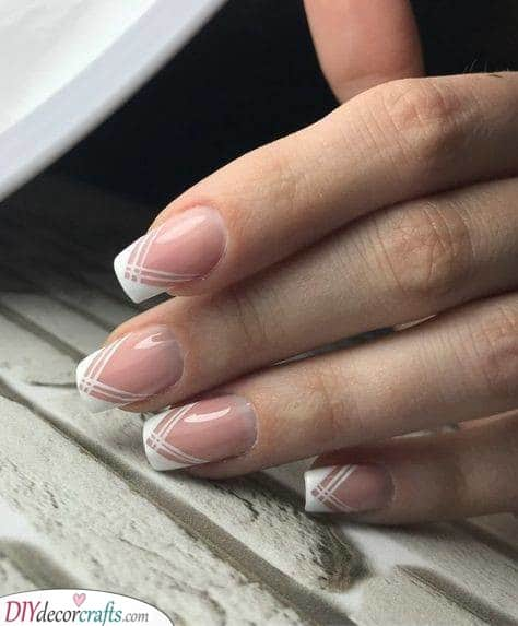 Delicate Lines - French Manicure Nails