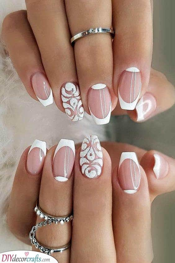A Lace Effect - Painting Your Nails