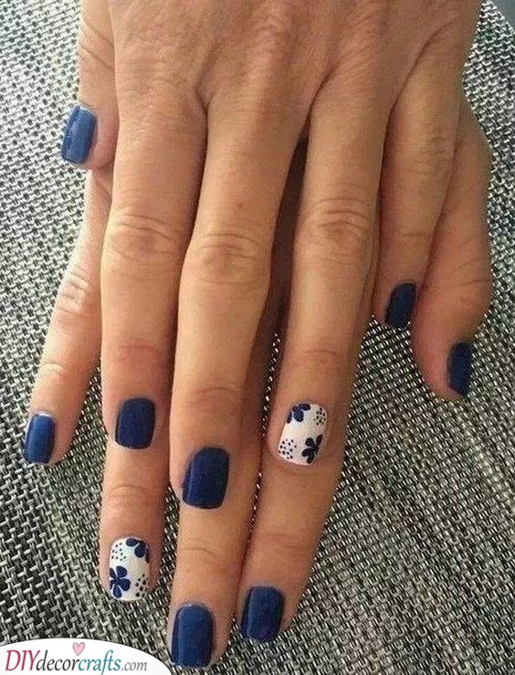 A Mix of Blue and White - Nail Designs for Short Nails