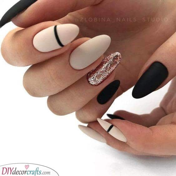 Great Glitter - With A Monochrome Edge
