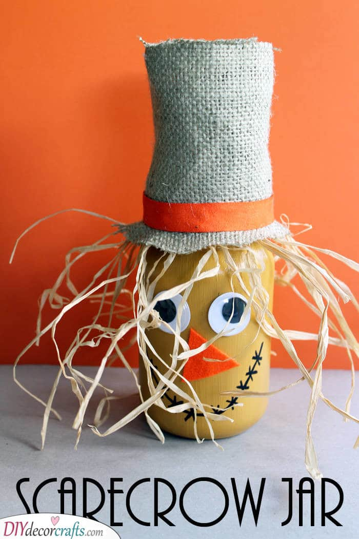 Scarecrow Jar - Ideas for Autumn Decor