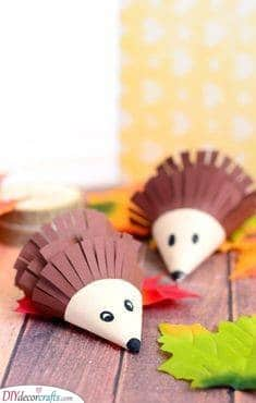 Paper Hedgehogs – Easy Autumn Crafts for Toddlers