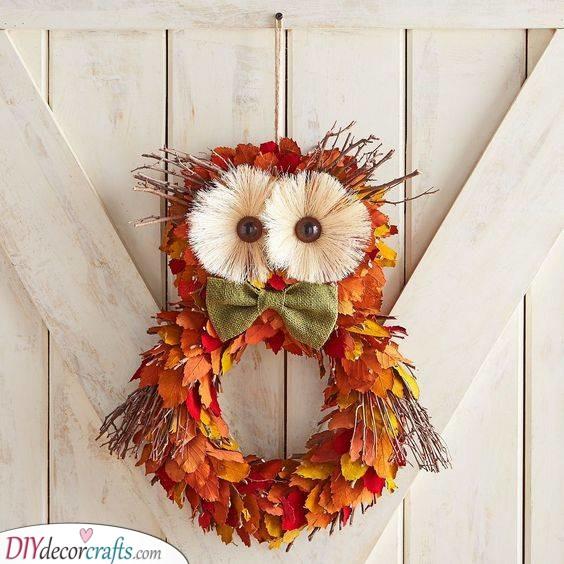 An Adorable Owl - Fall Wreath Ideas