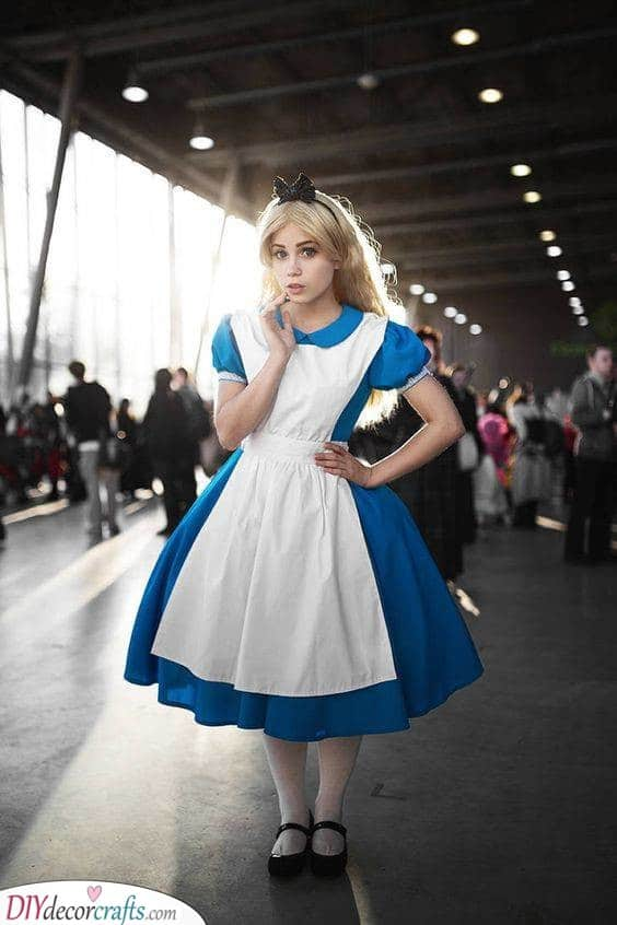 Alice in Wonderland - Out of a Fairytale