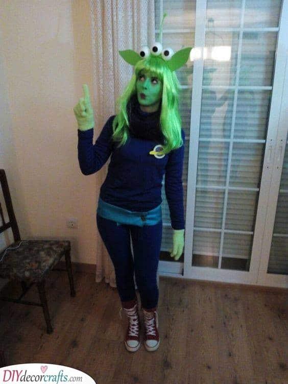 An Alien Look - Halloween Costume Ideas