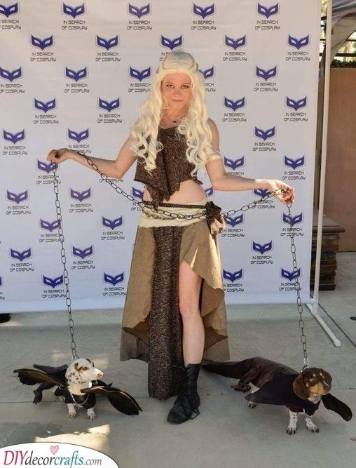Daenerys and Her Dragons - Cute Halloween Costume Ideas