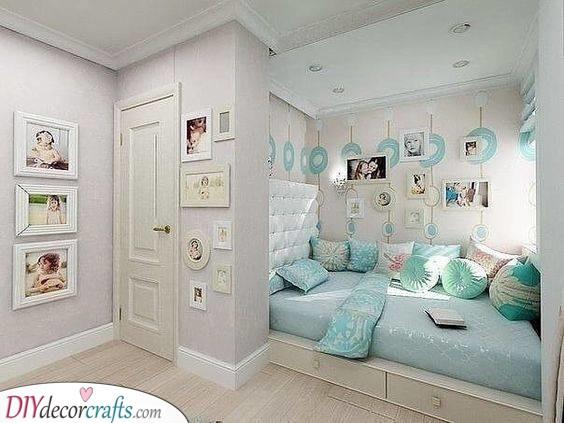 Bed Between Walls - Saving Space