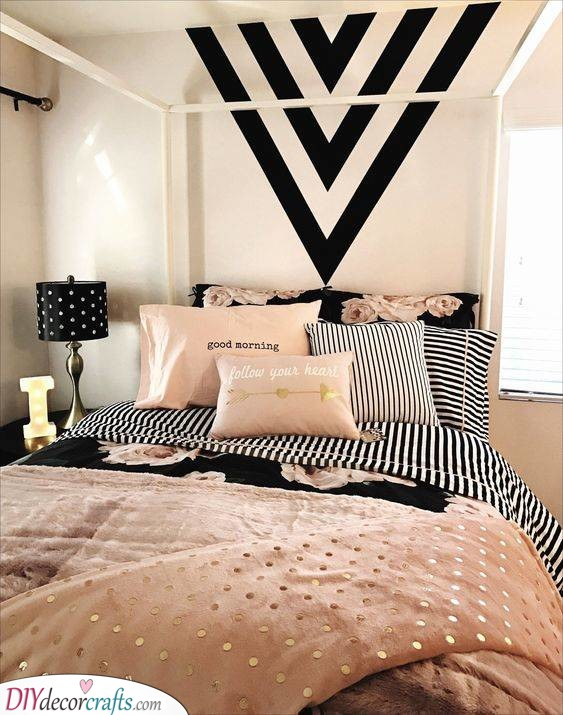 Black and Pink - Girls Bedroom Ideas for Small Rooms