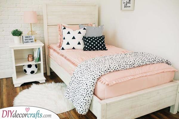 A Single Bed - Small Bedroom Ideas for Teenage Girl