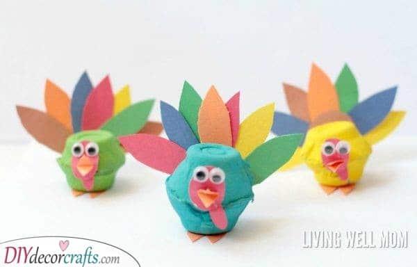 Adorable Thanksgiving Turkeys - Egg Carton Ideas