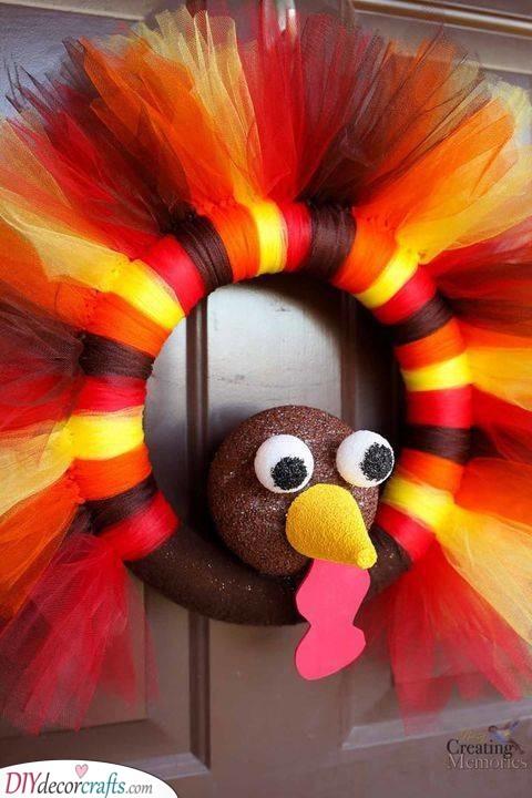 A Turkey Wreath - Thanksgiving Crafts for Kids
