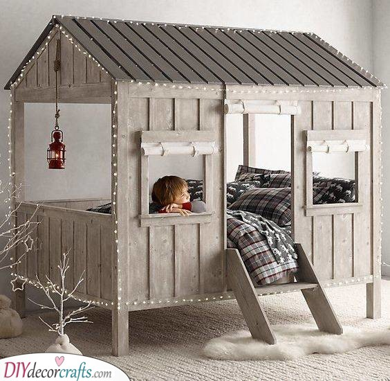 A Wintery Wonderland - Cubbyhouse or Bed