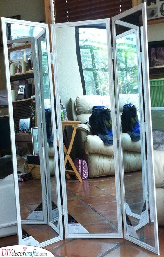 A Pannelled Mirror - A Practical Idea