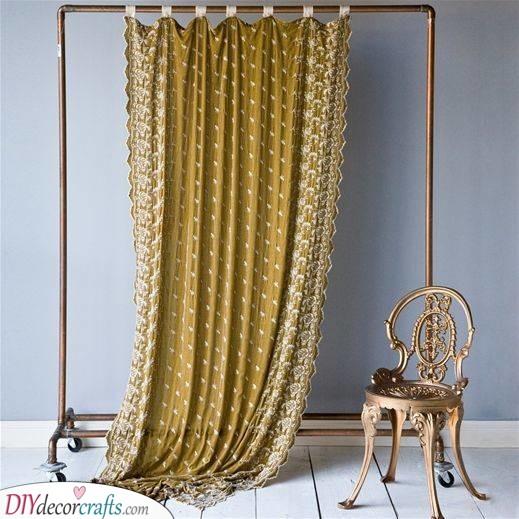 Portable Frame - With a Curtain