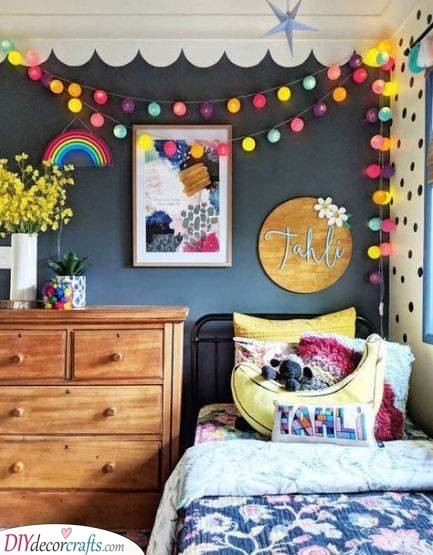 Dark and Bright - Great Girls Bedroom Decor Ideas