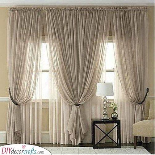 Chic and Sleek - Grey Bedroom Curtain Ideas