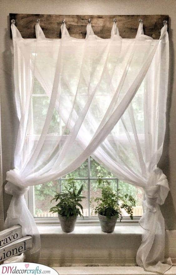 Friendly Farmhouse - Handmade Curtain Hanger