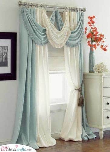 Blue and White - Bedroom Curtain Ideas