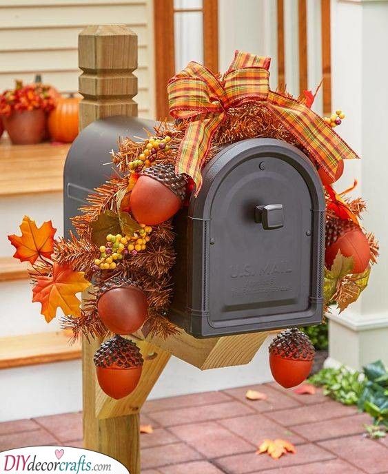 Decorate Your Mailbox - Fall Decorating Ideas for Outside