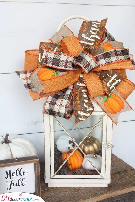 An Autumn Lantern - Fall Decorating Ideas for Outside