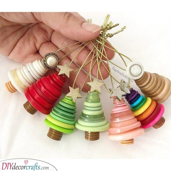 Button Ornaments - Christmas Craft Ideas for Kids