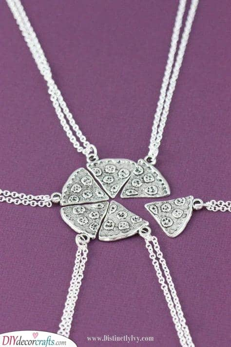 Slices of PIzza - Cute Necklace Ideas