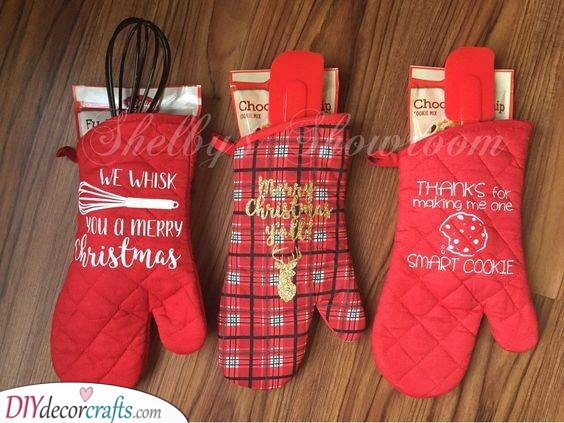 Mittens for Baking - Best Christmas Presents for Sisters