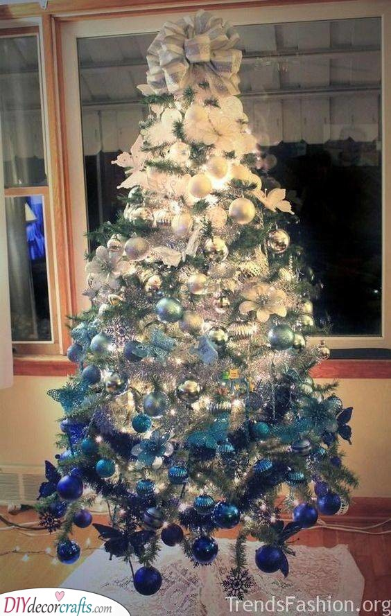A Blue Ombre - Best Christmas Tree Decorations