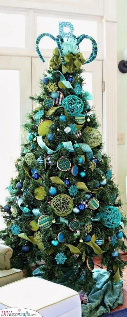 A Stylish Turquoise - Elegant Christmas Tree Decorating Ideas