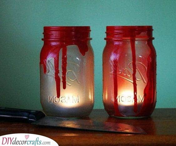Bloody Mason Jars - Easy Crafts for Halloween