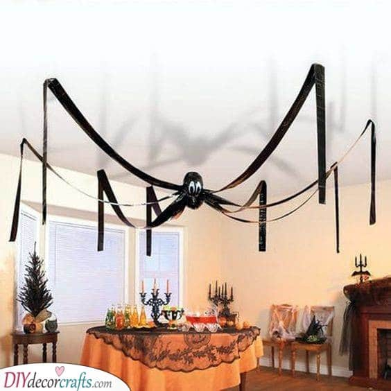 A Huge Spider - Using Black Balloons