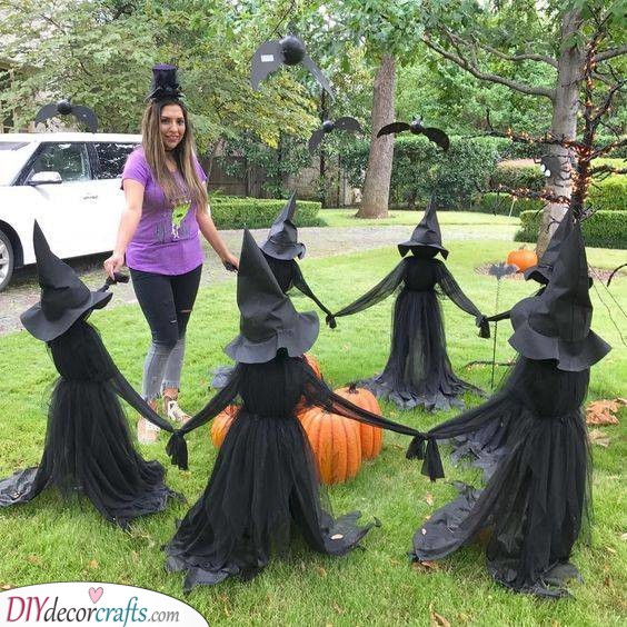A Circle of Witches - Casting a Spell