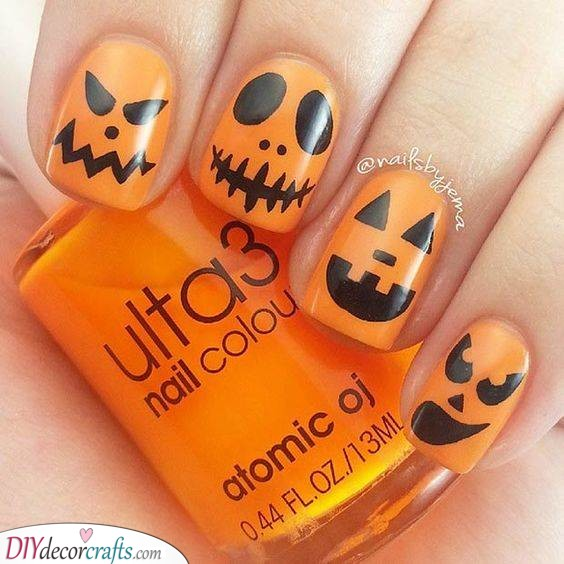 Jack-O-Lanterns - Typical Halloween Nails