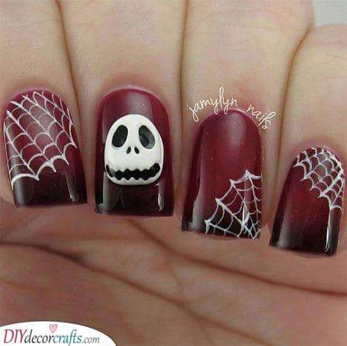 A Creepy Atmosphere - Easy Halloween Nails