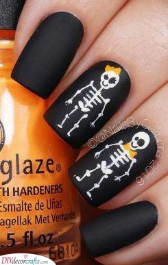 Scary Skeletons - Easy Halloween Nails