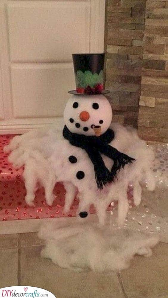 Melting Snowman - Outdoor Christmas Decoration Ideas