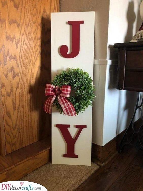 A Joyful Sign - Easy Outdoor Christmas Decorating Ideas