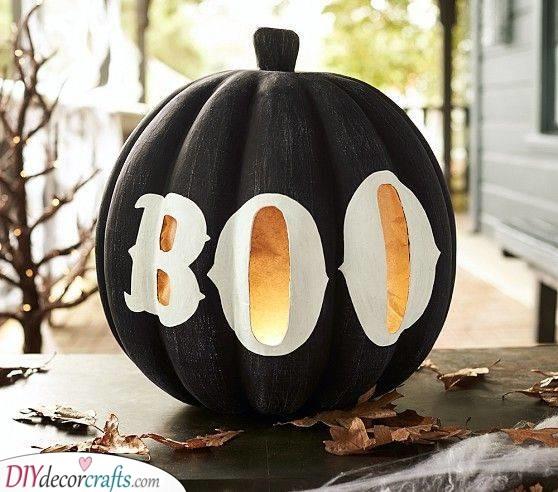 Large and Black - Creative Pumpkin Decorating Ideas