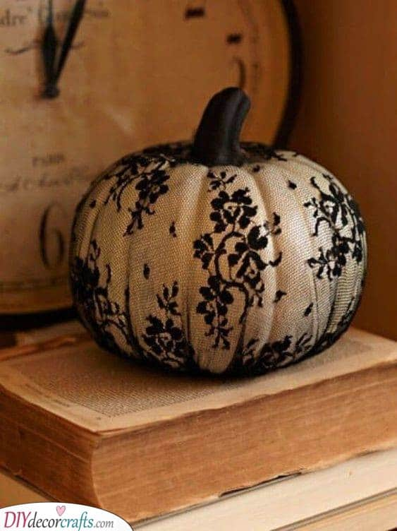 Beautiful in Lace - Easy Pumpkin Painting Ideas