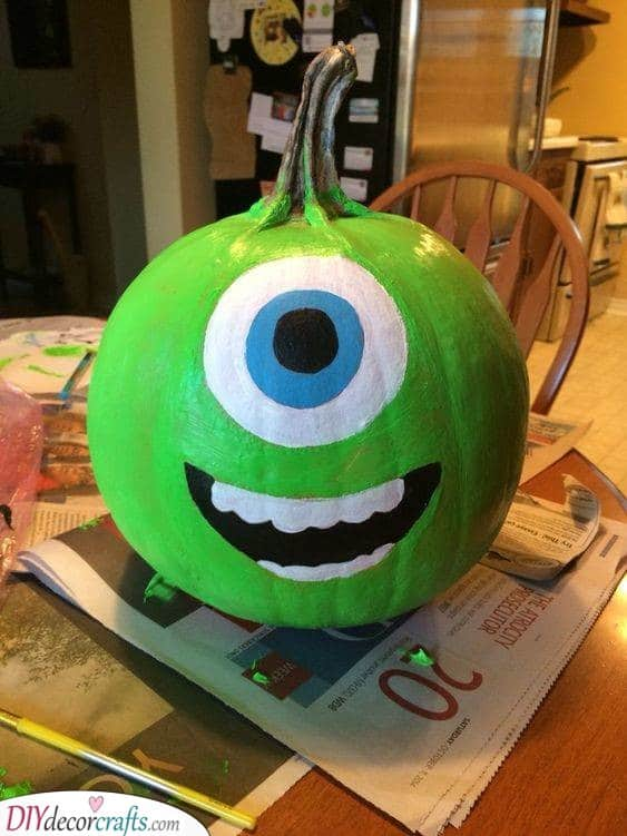 Mike Wazowski - Creative Pumpkin Decorating Ideas