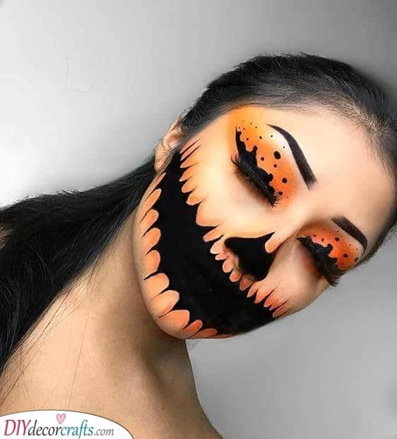 A Scary Look - Halloween Makeup Ideas