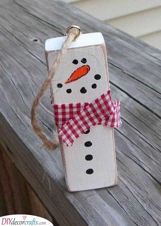 Wooden Snowmen - DIY Christmas Ornaments