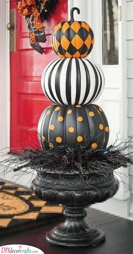 Black and Orange - Creative Pumpkin Decorating Ideas