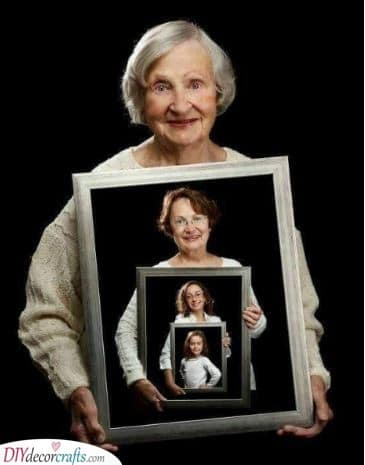 A Photo of Generations - Best Christmas Gifts for Mum