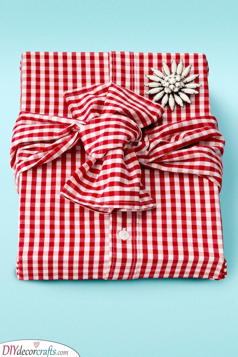 Wrapped in Fabric - Creative Christmas Wrapping Ideas