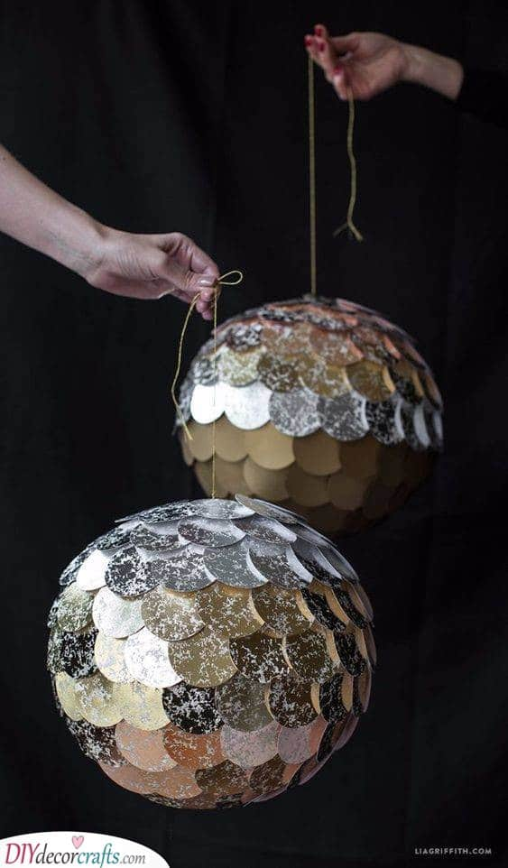 Gorgeous Pinatas - New Years Eve Party Decoration Ideas
