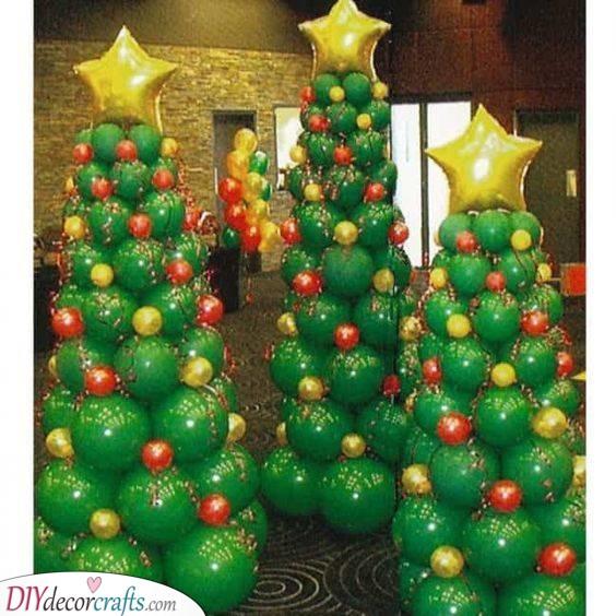 Brilliant Balloons – Creating Christmas Trees